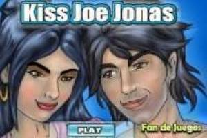 Joe Jonas denies kissing
