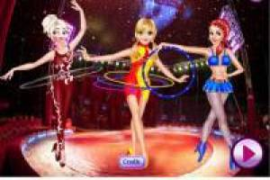 Dress up the princesses of the circus