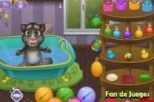 Cuidar el bebé de Talking Tom