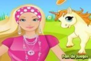 Barbie cuida al unicornio