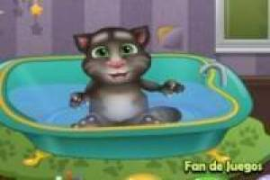 Caring for baby talking tom