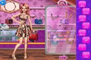 Princesses: Shopping in the mall