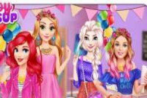 Barbie and her friends: University Residence