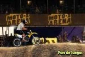 Motocross in den Sand