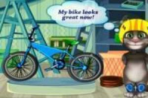 Talking tom, acidente en bicicleta