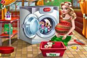 Wash the toys for Christmas