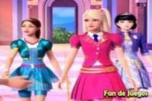 Vistiendo a Barbie