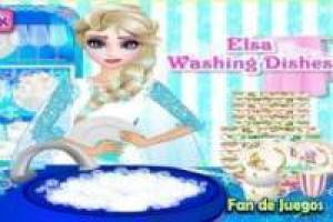Elsa washing dirty dishes