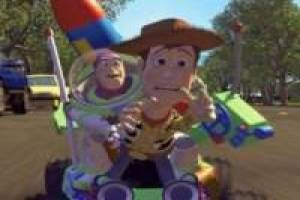 Buzz Lightyear y Woody en carro RC