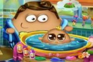 Free Pou bathes babies Game