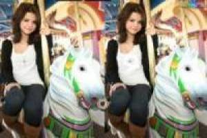 Find the Differences Selena Gomez